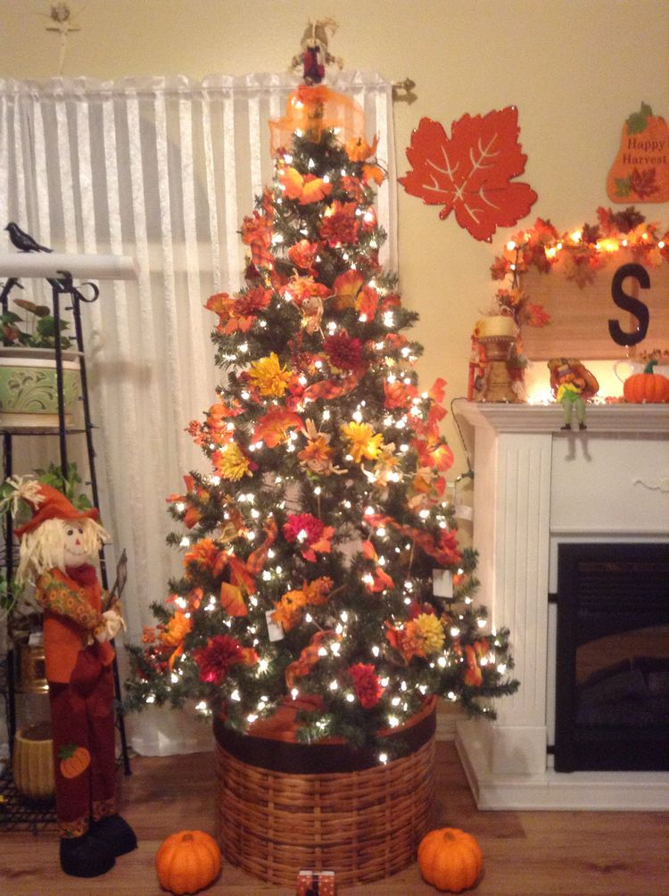 55 Floral Christmas Tree Decor Ideas Which Are Playful And Pretty